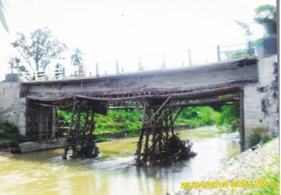 3 Jembatan Melengkung : Proyek Amburadul Dinas PU Tapsel