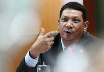 142024 yahdil abdi harahap Anggota DPR Minta Bupati Tapsel Berkantor Di Sipirok