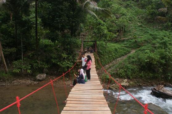 dsc07461 NNBS Sumut Rehab Jembatan Gantung di Sipirok