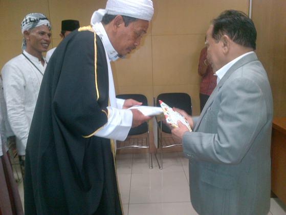img 20121227 00461 Aliansi Tokoh Masyarakat Adat Dan Ulama Mandailing Natal Laporkan Bupati Madina H.M Hidayat Batubara ke KPK