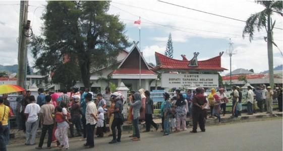 pr 1 PERNYATAAN SIKAP (Press Release) Forum Komunikasi Korban SK Menhut N0. 244/Menhut II/2011 Desa Simpang Tolang dan Janji Mauli Kec Sipirok Kab. Tapanuli Selatan
