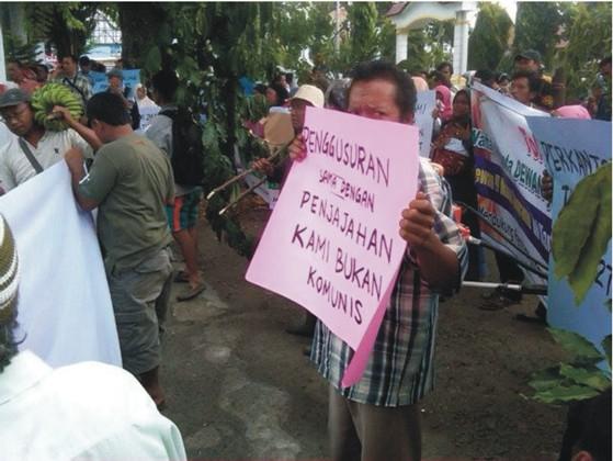 pr 5 PERNYATAAN SIKAP (Press Release) Forum Komunikasi Korban SK Menhut N0. 244/Menhut II/2011 Desa Simpang Tolang dan Janji Mauli Kec Sipirok Kab. Tapanuli Selatan