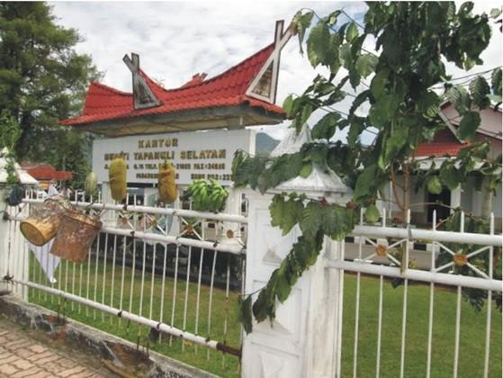 pr 7 PERNYATAAN SIKAP (Press Release) Forum Komunikasi Korban SK Menhut N0. 244/Menhut II/2011 Desa Simpang Tolang dan Janji Mauli Kec Sipirok Kab. Tapanuli Selatan